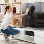 Fernseher reinigen – sauber durch die Corona- und Allergikerzeit