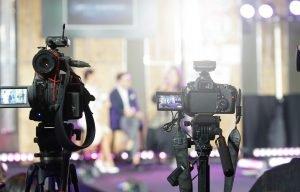 Warum TV-Talkshows dank Corona einen Aufschwung erleben