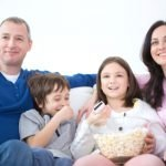 Kinder und Fernsehen – so schützen Sie Ihr Kind mit moderner Technik